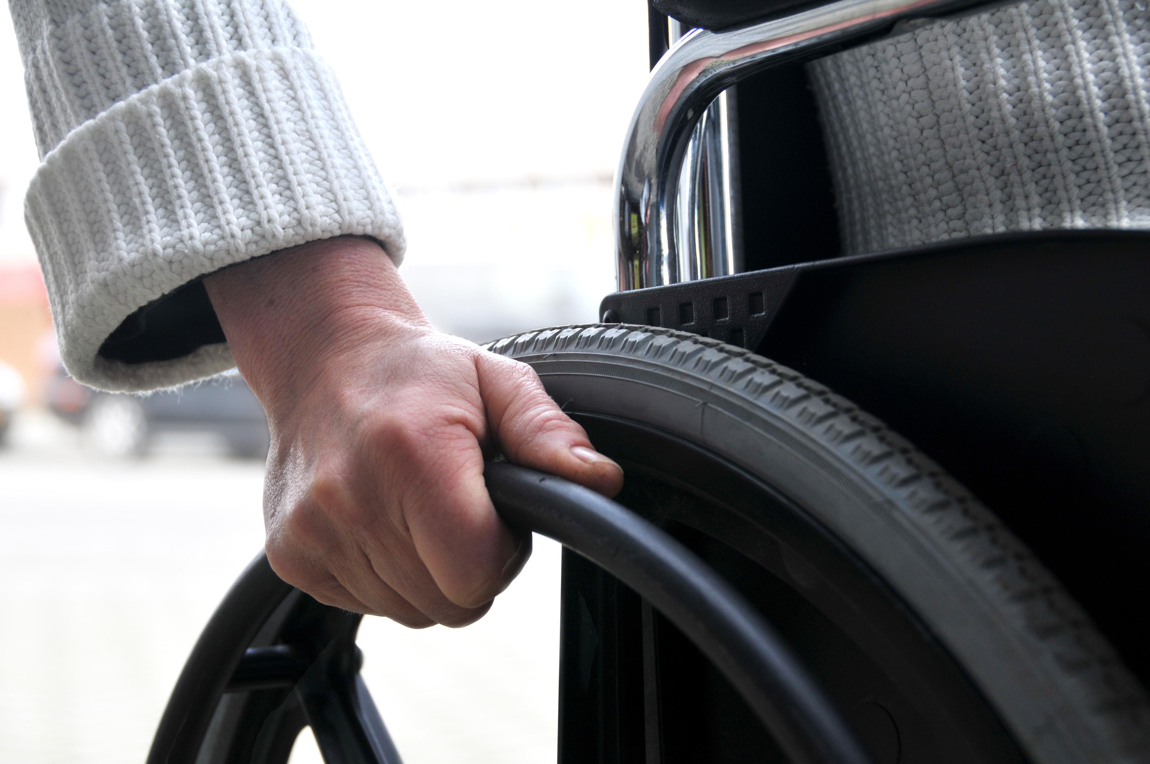 Feira em SP apresenta novas tecnologias para pessoas com deficiência