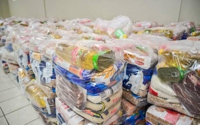 Campanha pretende arrecadar 2 milhões de cestas básicas pela internet