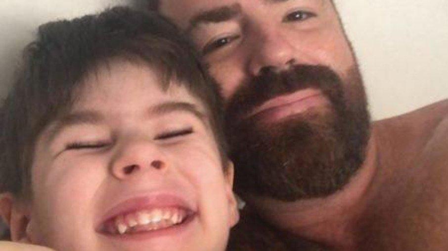 """""""Ela vendeu o filho"""", diz pai de Henry Borel sobre Monique Medeiros"""