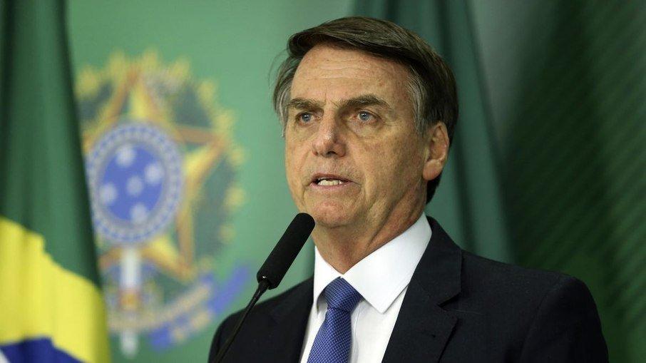 Bolsonaro volta a defender o não uso de máscara, mas diz que decisão não é sua