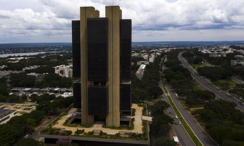 Focus: mercado financeiro eleva expansão do PIB de 4,85% para 5%